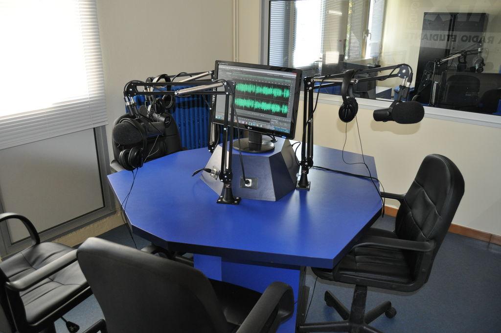 Les Studios - MIX la radio étudiante - 89 5 FM